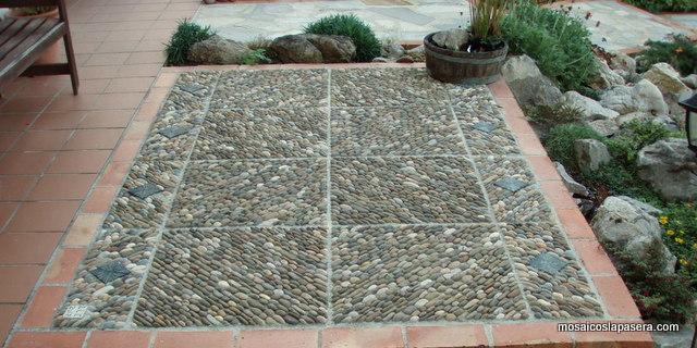 Empedrado mosaicos la pasera for Piedras de rio para jardin