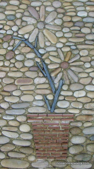 Mosaico de piedras mosaicos la pasera for Precio mosaicos para exterior