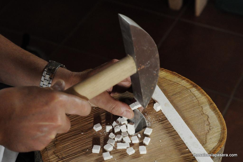 Opus tessellatum como cortar las teselas mosaicos la pasera - Como cortar marmol encimera ...